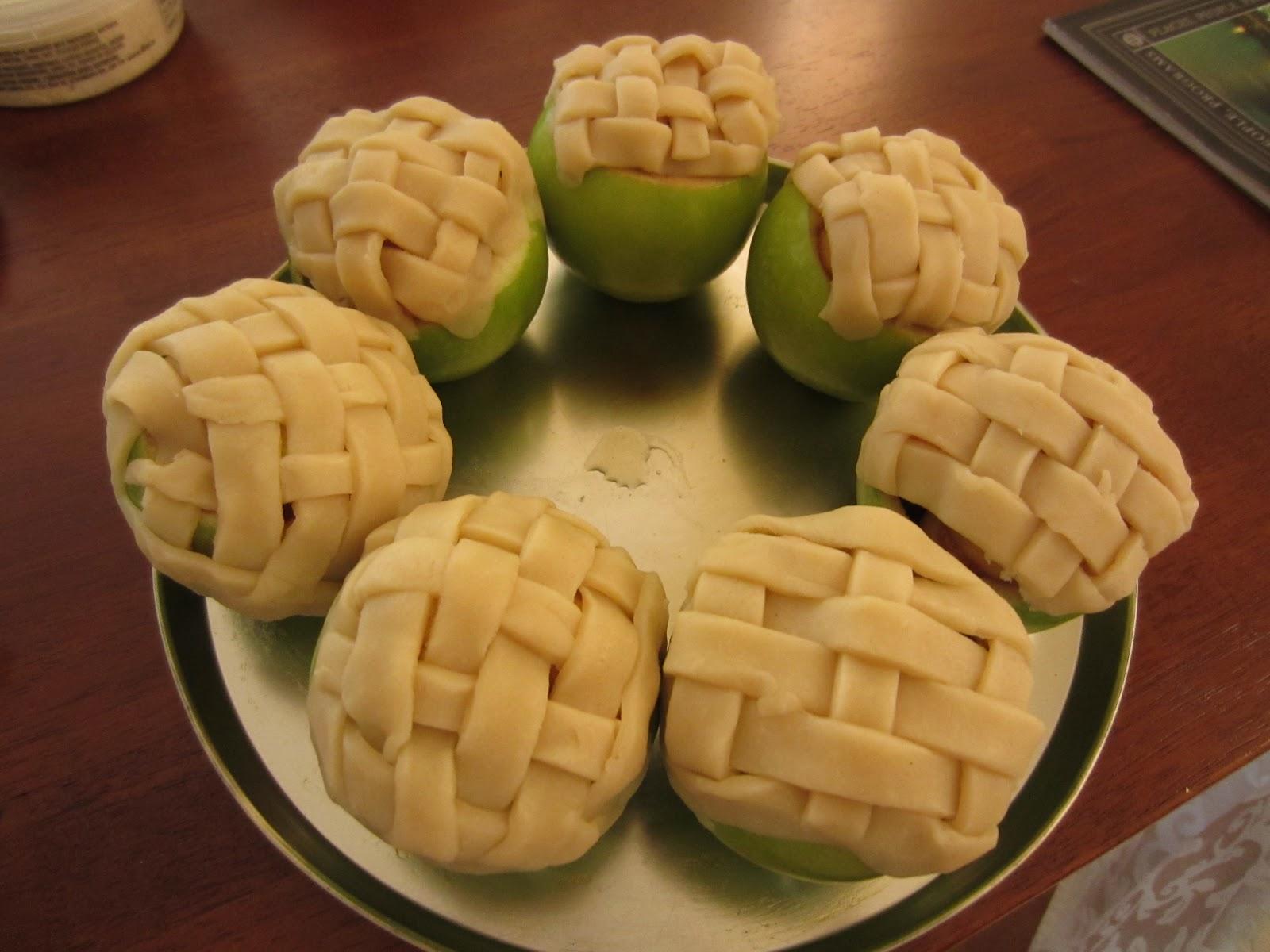 Apple Pie Baked in Apple Recipe- Inspired from Pinterest! – EATING ...